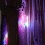 Rai de lumière sur une colonne de marbre